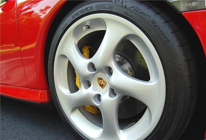Brillant pneu rénovateur flanc shine car tyre dressing michelin pilot porsche